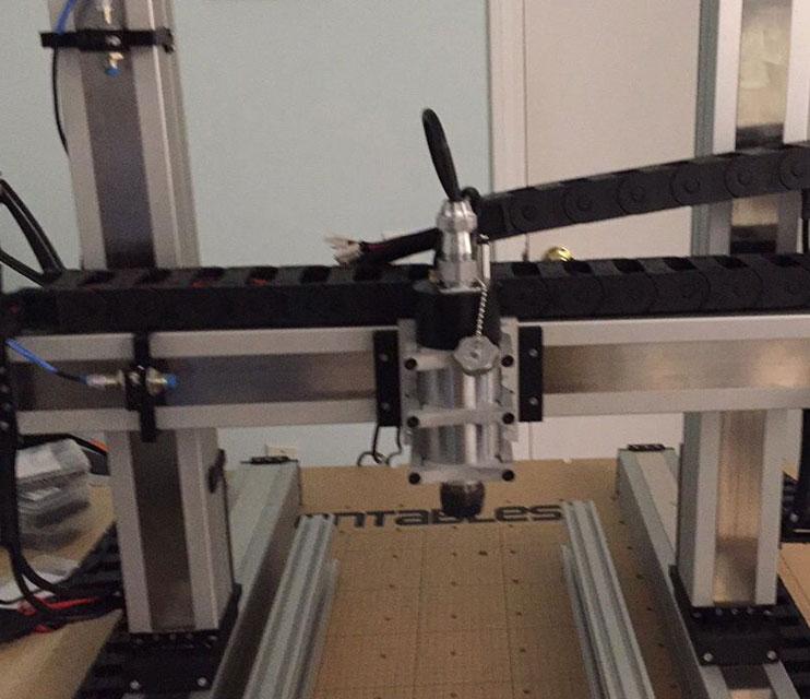 激光切割机371x200