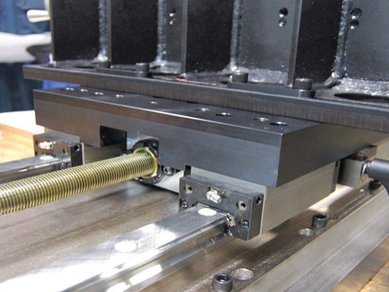 Rules for Actuator and Guide Alignment in Linear Motion Systems